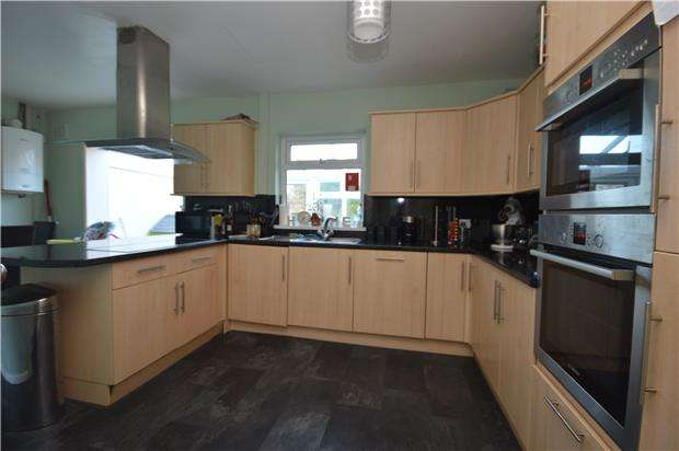 2 Bedrooms Property for rent in Charlton Road, Brentry, BS10