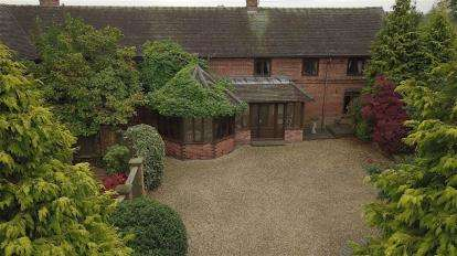 4 Bedrooms Barn Conversion Character Property for sale in Cherry Tree Barn, Barthomley, Crewe, Cheshire