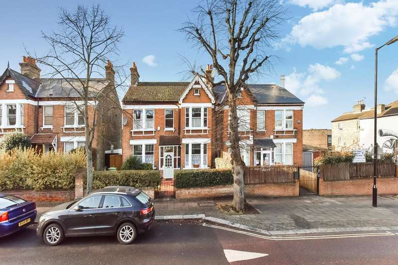 4 Bedrooms Semi Detached House for sale in Barry Road, London SE22