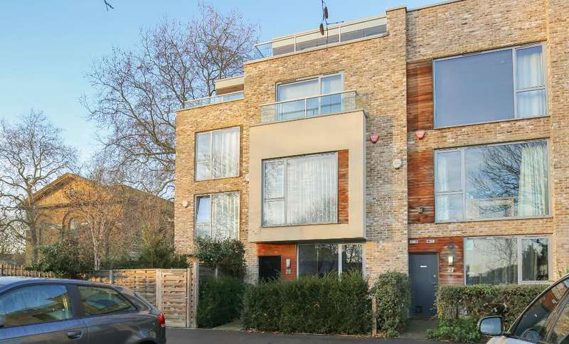 4 Bedrooms Terraced House for sale in Sutton Place, Hackney, London, E9 6EH