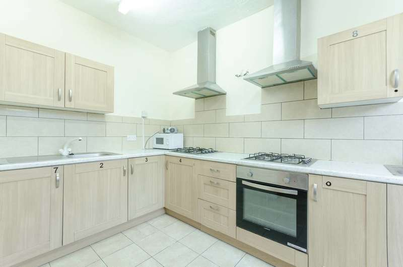 6 Bedrooms House for rent in Grange Park Road, Leyton, E10