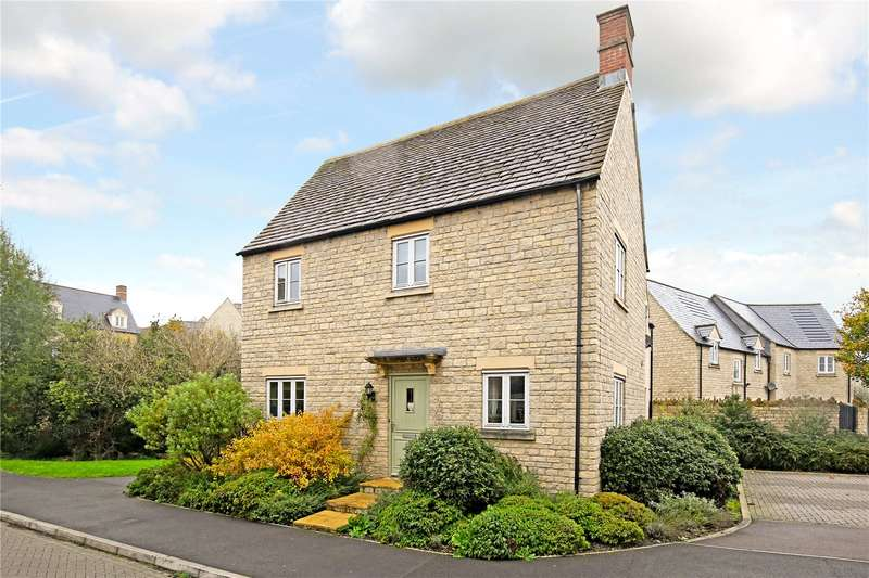 4 Bedrooms Detached House for sale in Parry Close, Cirencester, Gloucestershire, GL7