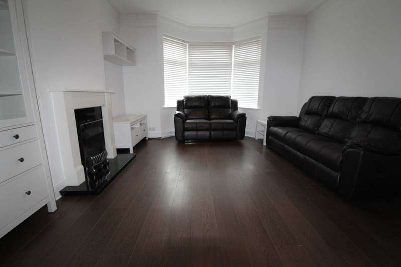 3 Bedrooms Semi Detached House for rent in Furzeham Road, West Drayton