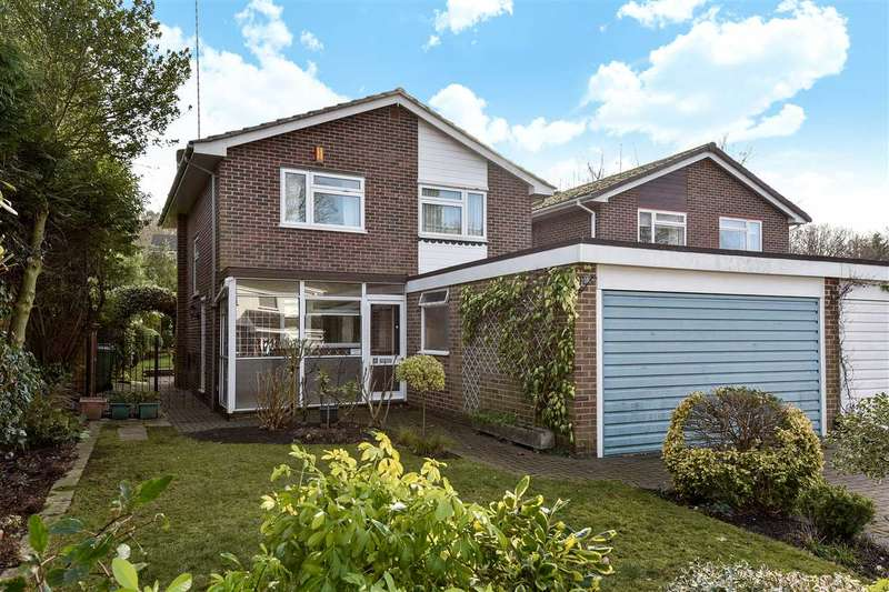 4 Bedrooms Detached House for sale in Llangar Grove, Crowthorne