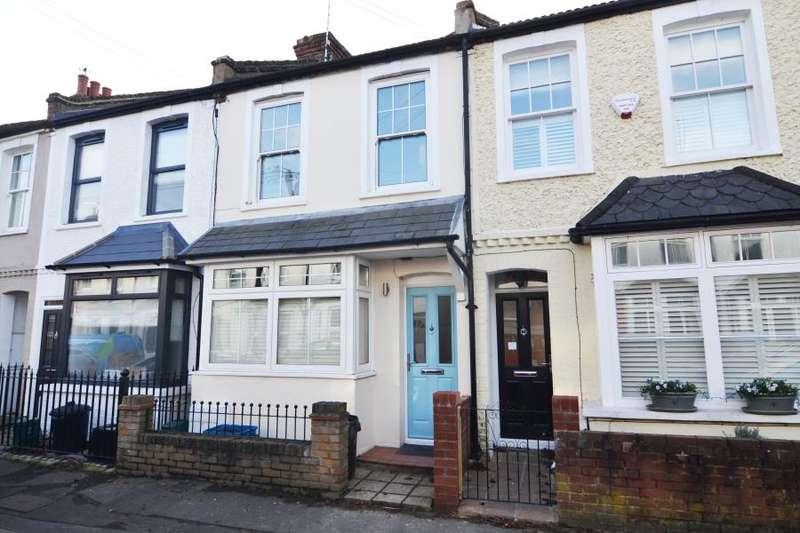 2 Bedrooms Cottage House for rent in Stanley Gardens Road, Teddington, TW11