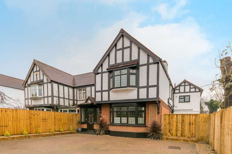 2 Bedrooms Flat for sale in Green Lanes, Manor House, N4