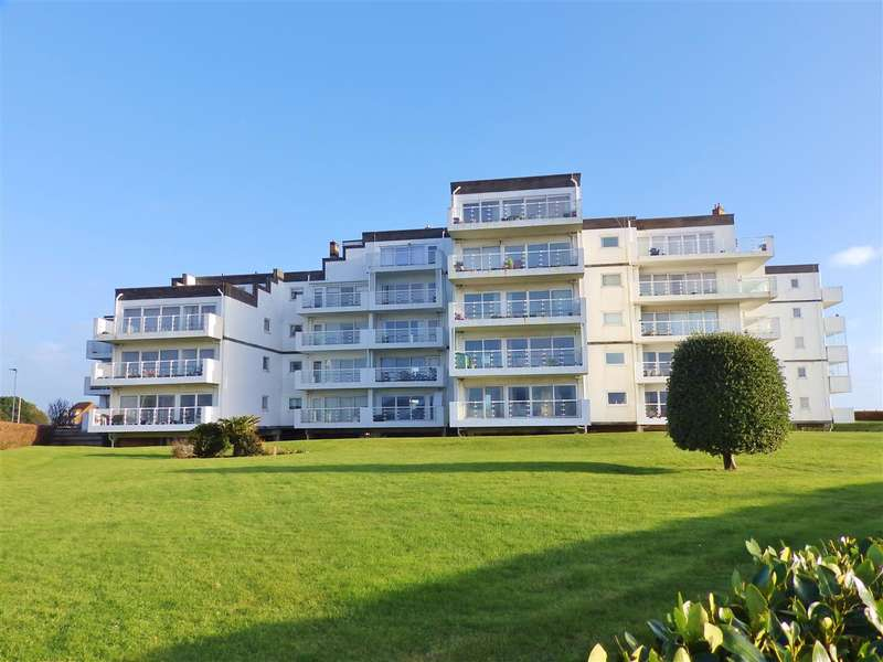 2 Bedrooms Apartment Flat for sale in Monarch House, Royal Parade, Eastbourne
