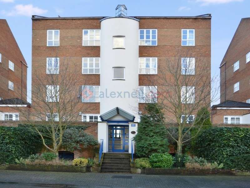 2 Bedrooms Flat for sale in Aland Court, Surrey Quays SE16