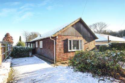 2 Bedrooms Detached Bungalow for sale in Highland Road, Badgers Mount, Sevenoaks, Kent