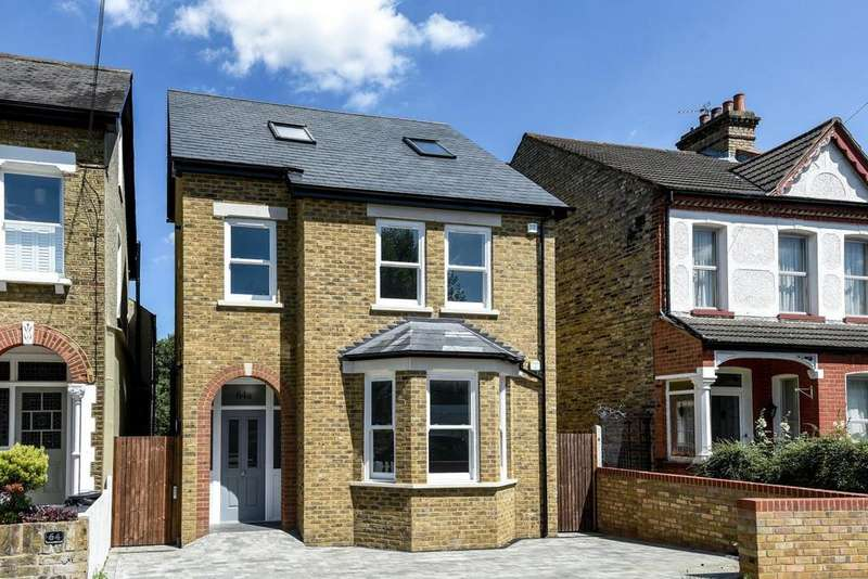 2 Bedrooms Flat for sale in Tremaine Road, Penge