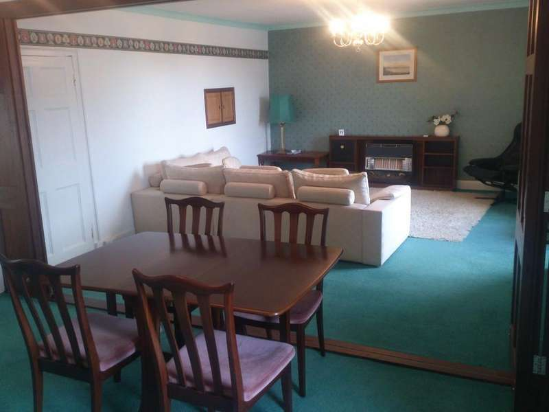 3 Bedrooms Flat for rent in Castle House Flat, Fishguard