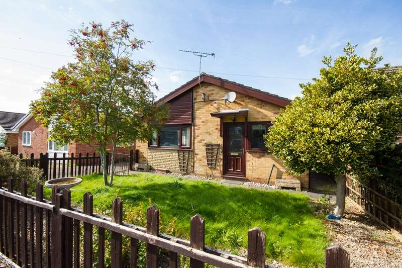2 Bedrooms Bungalow for sale in Wyebank Crescent, Chepstow, Gloucestershire, NP16