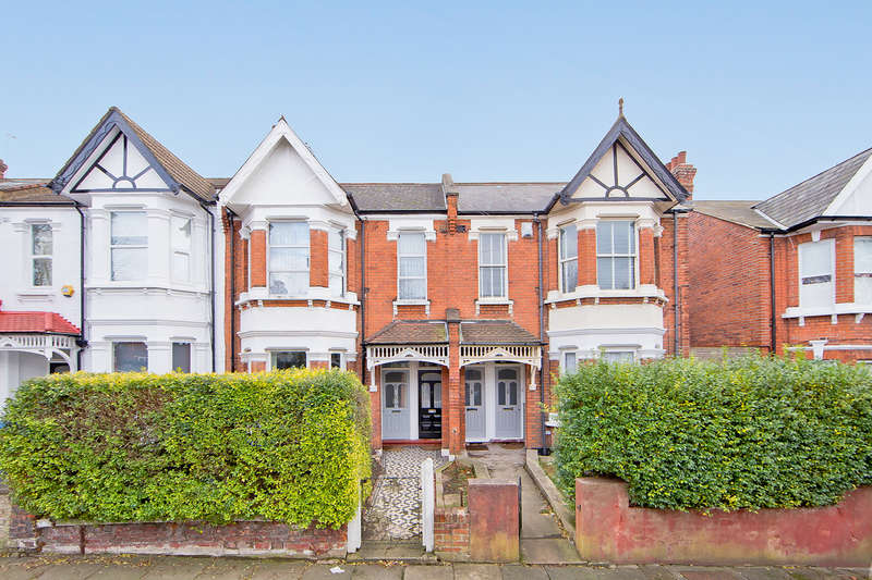 3 Bedrooms Flat for sale in Furness Road, London