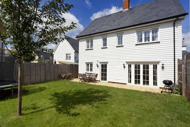 4 Bedrooms Detached House for sale in Churchill Way, Wickhurst Green