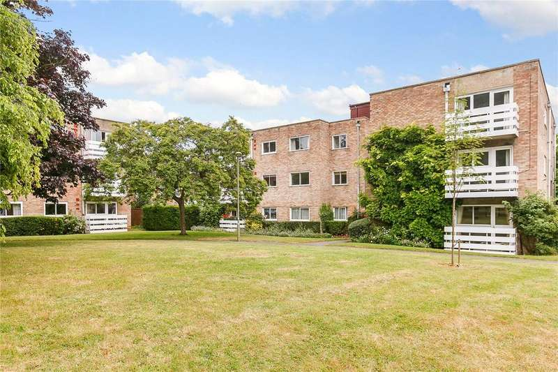 2 Bedrooms Flat for sale in Cunliffe Close, Oxford
