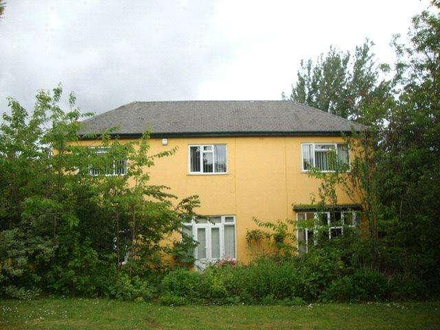 4 Bedrooms Detached House for rent in St. Gabriels Avenue, Sunderland, SR4