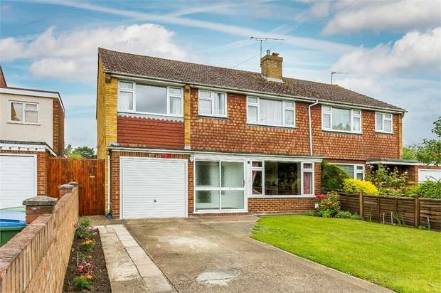 4 Bedrooms Semi Detached House for sale in Field Common Lane, WALTON-ON-THAMES, Surrey