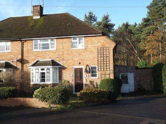 3 Bedrooms House for sale in Fleet, Hampshire