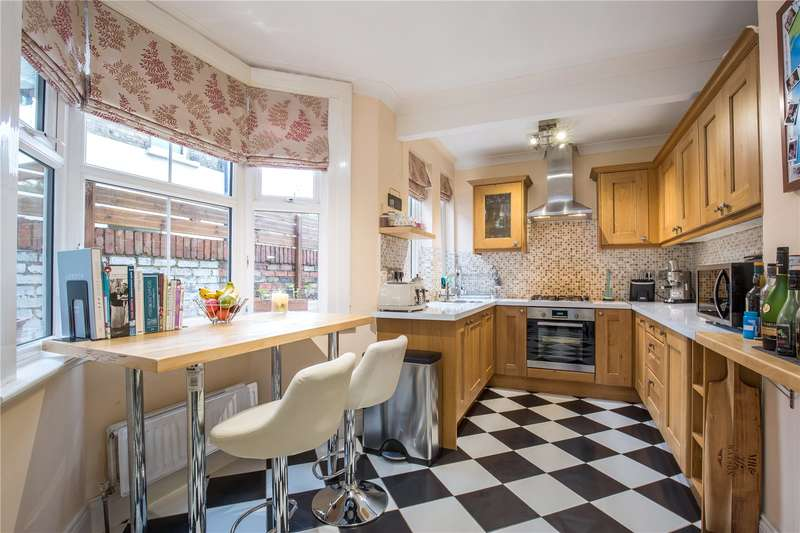 3 Bedrooms House for sale in Oakleigh Road North, Whetstone, London, N20