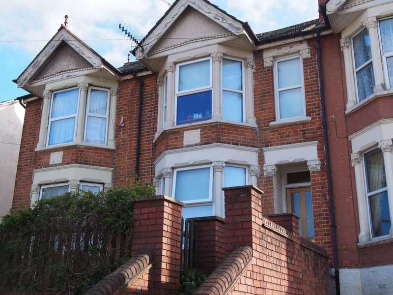 4 Bedrooms Terraced House for rent in Hughenden Road, High Wycombe