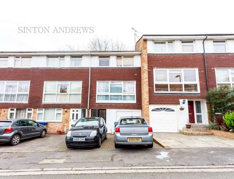 4 Bedrooms House for sale in Lanark Close, Ealing, W5