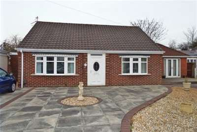 3 Bedrooms Bungalow for rent in Delery Drive, Padgate, WA1 3DL