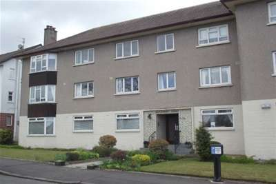 3 Bedrooms Flat for rent in Broomburn Court, Newton Mearns