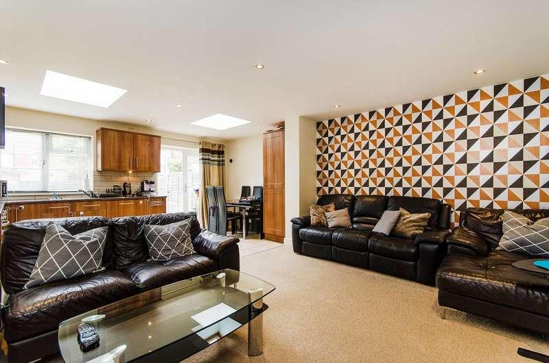 3 Bedrooms Semi Detached House for rent in Norton Road, Wembley, HA0