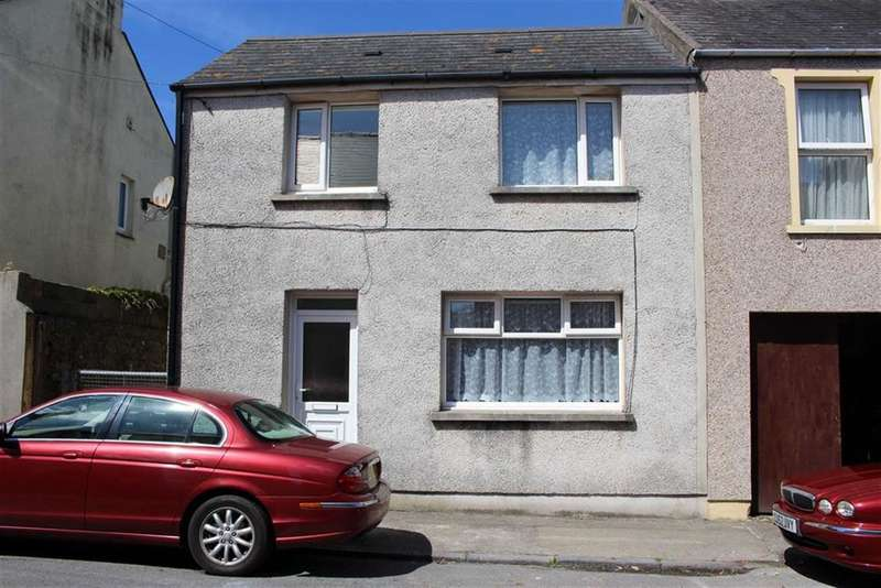 4 Bedrooms End Of Terrace House for sale in Clarence Street, Pembroke Dock