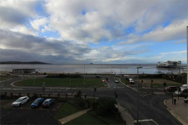 2 Bedrooms Flat for sale in Beach Road, North Somerset