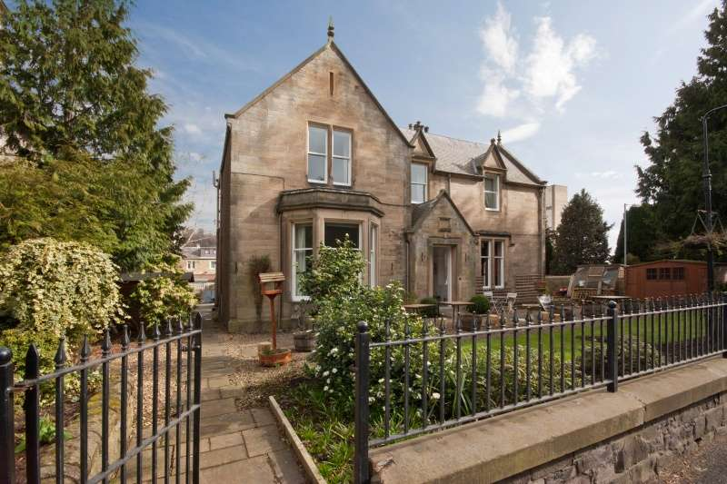 3 Bedrooms Villa House for sale in Abbotsford Road, Galashiels, Borders, TD1 3DR
