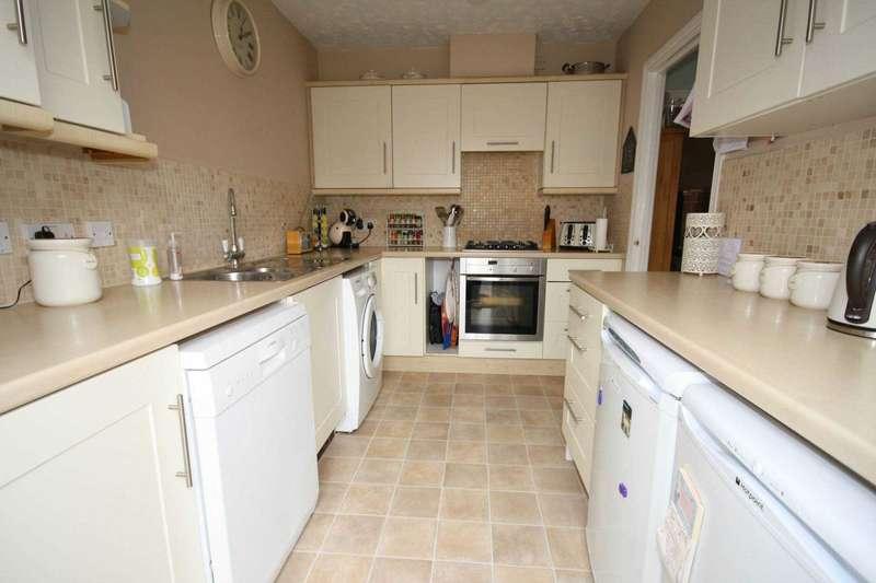 4 Bedrooms Semi Detached House for sale in Bramble Tye, Noak Bridge