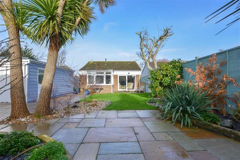 2 Bedrooms Detached Bungalow for sale in The Estuary, Littlehampton, West Sussex, BN17 6NF
