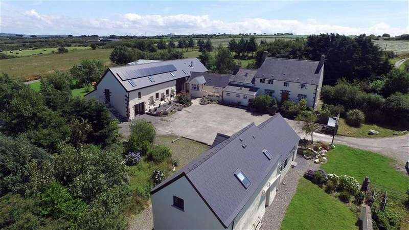 15 Bedrooms Property for sale in FELINWYNT