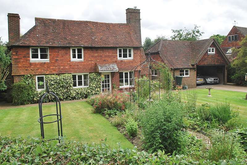 3 Bedrooms Cottage House for sale in Lingfield, Surrey, RH7 6DA
