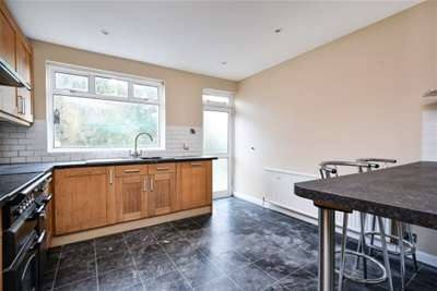 3 Bedrooms House for rent in Queens way, West Wickham, BR4