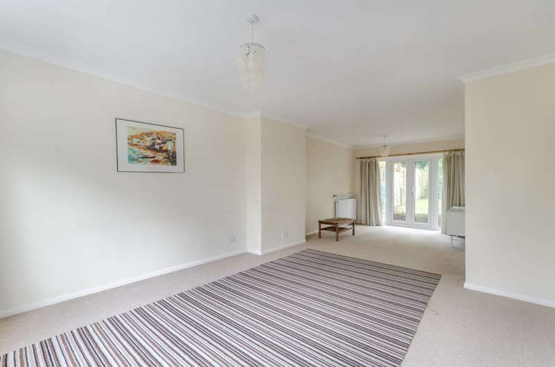 3 Bedrooms House for sale in Wharncliffe Road, Upper Norwood, SE25