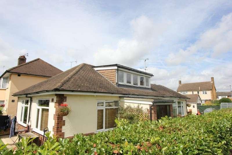 4 Bedrooms Detached Bungalow for sale in Warescot Road, Brentwood