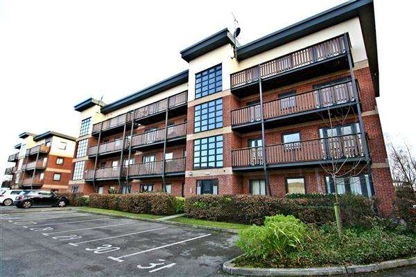2 Bedrooms Apartment Flat for rent in Canalside, Water Street, Radcliffe