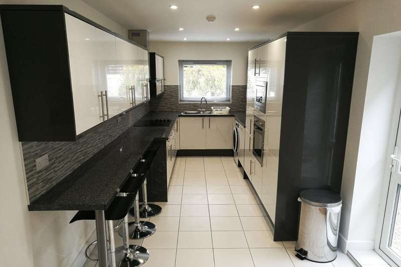 7 Bedrooms Property for rent in Norman Road, Southsea, PO4