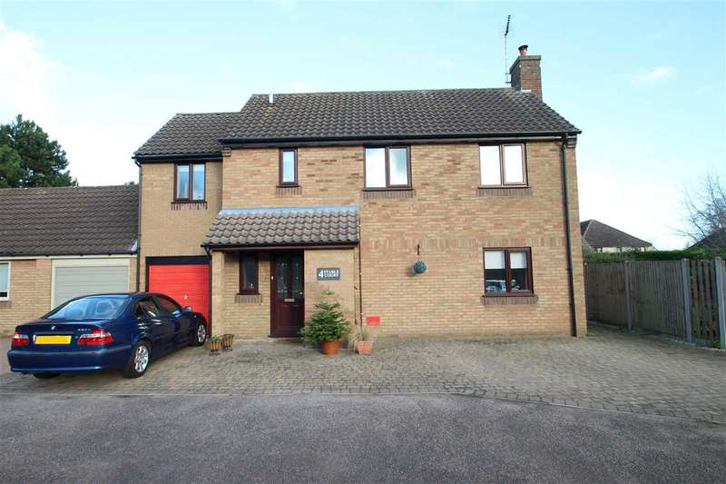 3 Bedrooms Detached House for sale in Stable Court, Martlesham Heath, Ipswich