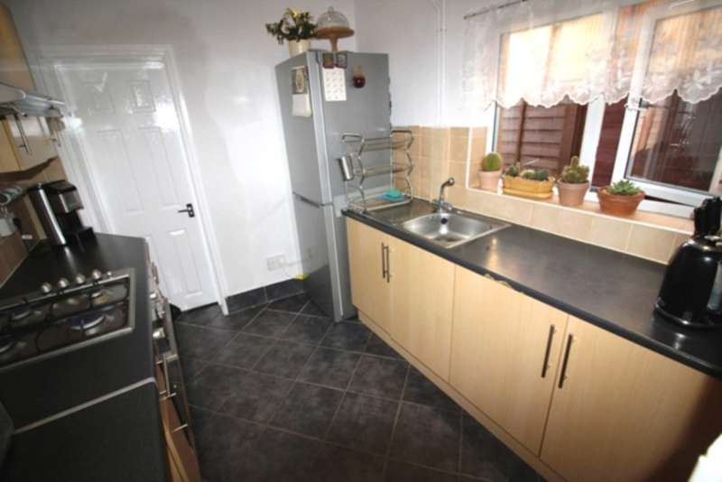 3 Bedrooms Terraced House for sale in Prince Of Wales Avenue, Reading