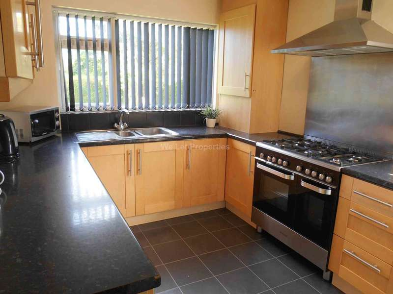 5 Bedrooms House for rent in Scarisbrick Street, Ormskirk