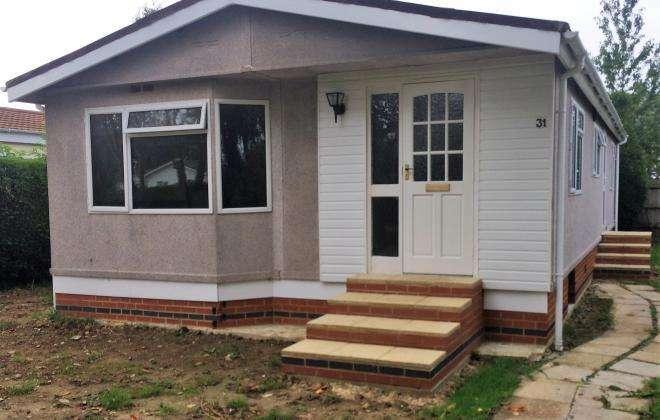 3 Bedrooms Park Home Mobile Home for sale in Marshmoor Park, Great Bricett, Ipswich, Suffolk, IP7 7BZ