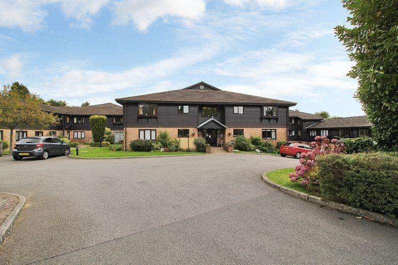 1 Bedroom Retirement Property for sale in 56 Martlets Court, Crowborough, East Sussex