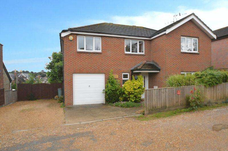 4 Bedrooms Detached House for sale in Wootton, PO33 4PQ