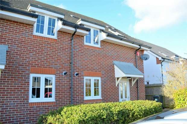3 Bedrooms Semi Detached House for sale in Glenmoor Gardens, Bournemouth, Dorset