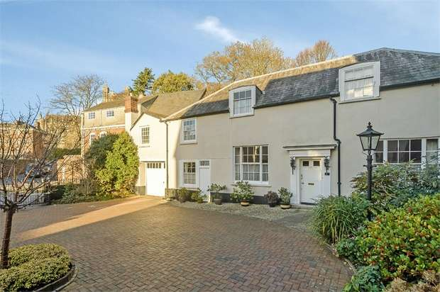4 Bedrooms Semi Detached House for sale in Palace Gate, Exeter, Devon