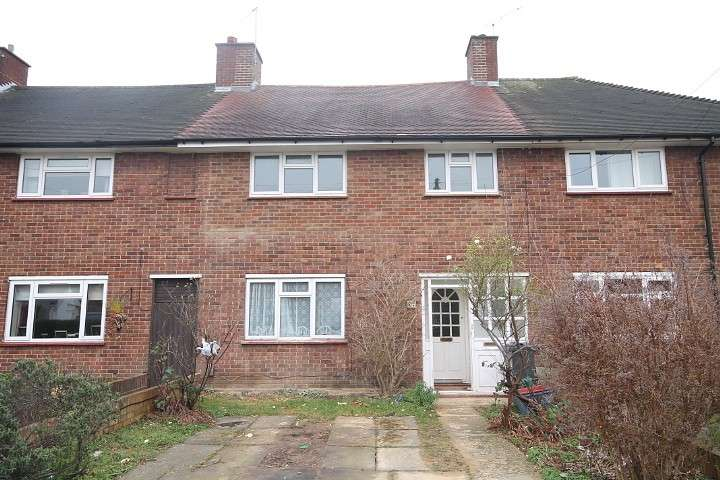 3 Bedrooms Terraced House for sale in Wigley Road, Feltham, TW13