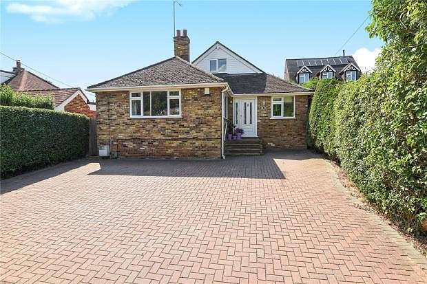 4 Bedrooms Chalet House for sale in Kings Road, Chalfont St Giles, HP8
